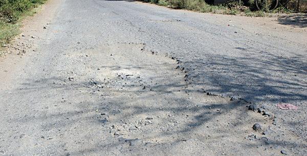 road path holes khadde raste