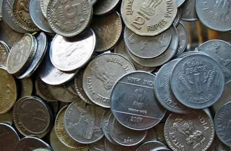 Plastic Ban Maharashtra Fine Coins worth ten thousand Nashik NMC, नाशिक प्लास्टिक बंदी दंड चिल्लर महानगरपालिका प्रशासन कर्मचारी NashikOnWeb