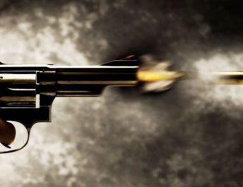 early morning thief gun shot money distribution problem one injured