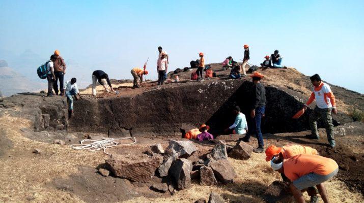shivkarya gadkot sanvardhan sanstha nashik kille kanchan manchan expedition january 2019 शिवकार्य गडकोट संवर्धन संस्था नाशिक किल्ले कांचन मंचन मोहीम