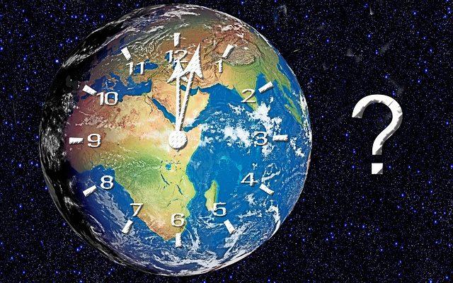Nashik Essentials Time Limit जीवनावश्यक सेवांसाठी वेळेचे बंधन हटवले; किराणासाठी गर्दी टळणार